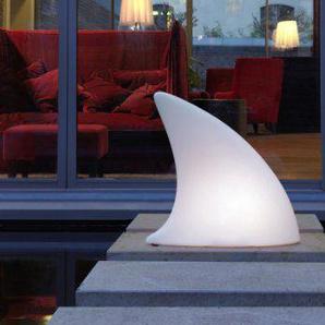 Shark Bodenleuchte / Dekoleuchte, L 70 cm x W 19,5 x H 65 cm, Polyethylen, seidenmatt, weiß, mit E27 (230 V) Energiesparlampe, für Außen
