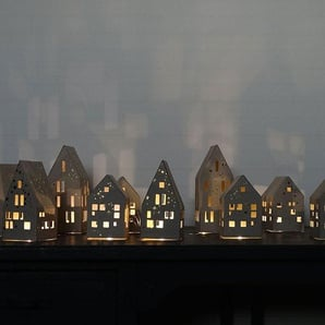 LED-Lichterkette Winter Haus Good old friends, Designer Sarah Baumann, 16x6.5x6.5 cm