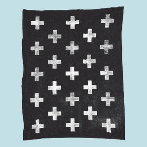 Swiss Cross Pattern-Fleecedecke