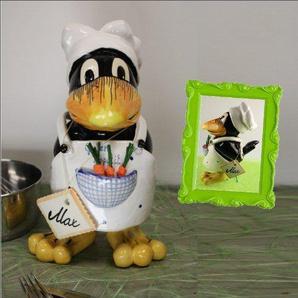 Tangoo Keramik Rabe Max als Koch mit weißer Schürze