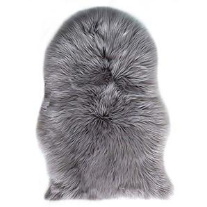 ZHOUZEKAI Sheepskin Rug, Lammfellimitat Flauschigen Teppiche Imitat Kunstfell Dekofell,Langes Haar Nachahmung Wolle Bettvorleger Sofa Matte (Grau, 60 x 90 cm)