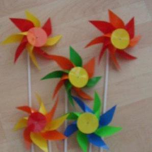Windmühlen 10 Stück Doppelrosette 8-flügelig 16 cm farbig sortiert