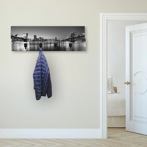 Artland Garderobenpaneel New York City Skyline Brooklyn Bridge, platzsparende Wandgarderobe aus Holz mit 4 Haken, geeignet für kleinen, schmalen Flur, Flurgarderobe B/H/T: 90 cm x 30 2,8 schwarz Garderobenpaneele Garderoben