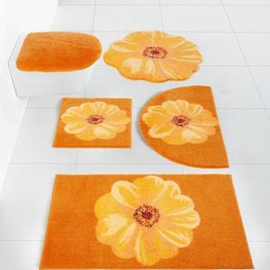 Badgarnitur mit Blüten-Design