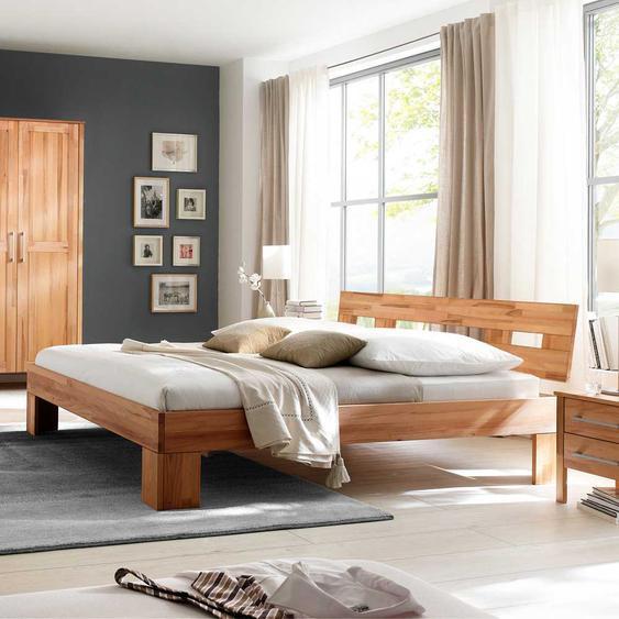 Bett in Kernbuchefarben modern