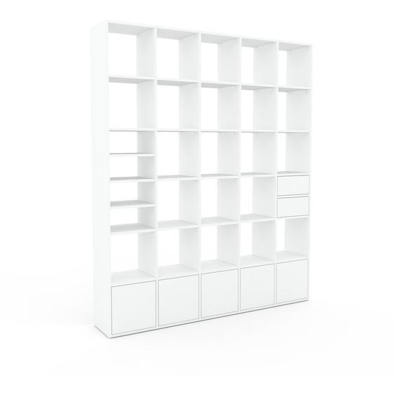 Bibliotheksregal Weiß - Modernes Regal für Bibliothek: Schubladen in Weiß & Türen in Weiß - 195 x 233 x 35 cm, konfigurierbar