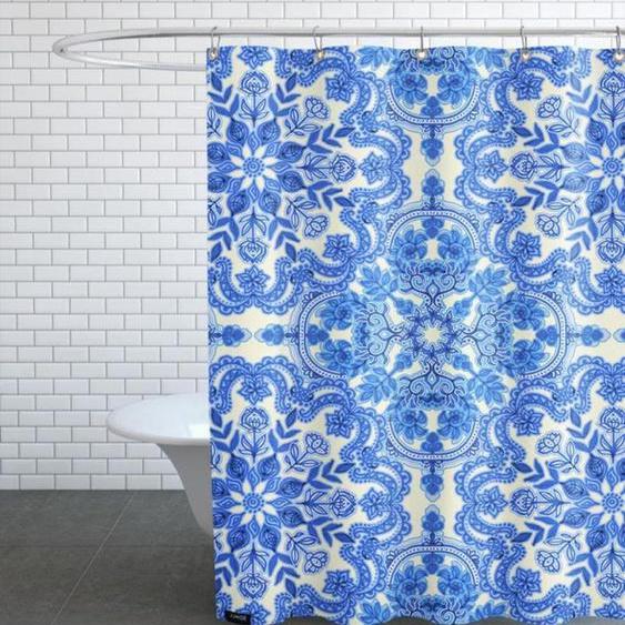 Blue & White Folk Art Pattern-Duschvorhang