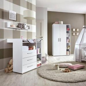BMG Babyzimmer-Komplettset »Luis«, (Set, 4-St), Bett + Wickelkommode + 2-trg. Schrank + Wandboard