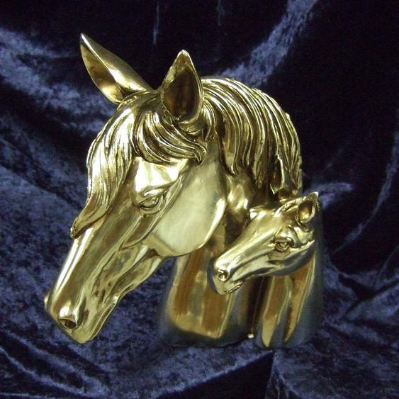 Buchstütze, Pferdeköpfe in Silber, Stute mit Fohlen, Skulptur, vernickelt