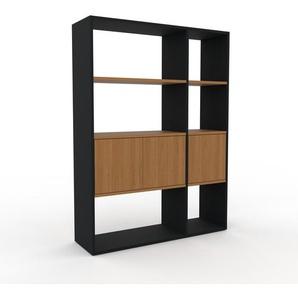 Bücherregal Schwarz - Modernes Regal für Bücher: Türen in Eiche - 116 x 157 x 35 cm, Individuell konfigurierbar