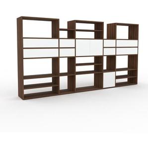 Bücherregal Nussbaum - Modernes Regal für Bücher: Schubladen in Weiß & Türen in Weiß - 303 x 157 x 35 cm, konfigurierbar
