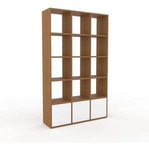 Bücherregal Eiche - Modernes Regal für Bücher: Türen in Weiß - 118 x 195 x 35 cm, Individuell konfigurierbar