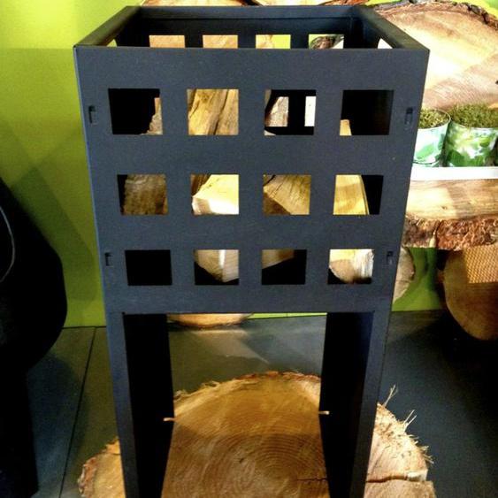 Eisenkorb Korb in modernem Design, Feuerkorb für Gartenfest, Quadro hoch