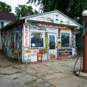 PAPERMOON Fototapete »Old Vintage Retro Gas Station«, Vlies, in verschiedenen Größen