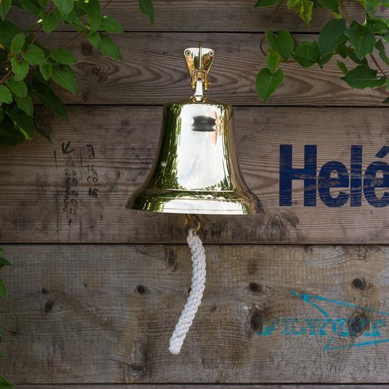 Glocke mit sehr markantem Klang, historisches Modell im hochglänzendem Messing