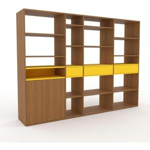 Holzregal Eiche - Modernes Regal aus Holz: Schubladen in Gelb & Türen in Eiche - 265 x 195 x 47 cm, Personalisierbar