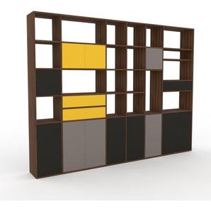 Holzregal Nussbaum - Modernes Regal aus Holz: Schubladen in Gelb & Türen in Anthrazit - 306 x 233 x 35 cm, Personalisierbar