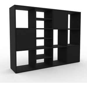 Holzregal Schwarz - Skandinavisches Regal aus Holz: Türen in Schwarz - 156 x 118 x 35 cm, Personalisierbar