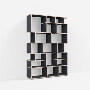 Individualisierbare Bücherwand aus Massivholz in Schwarz. Moderne Designer-Möbel