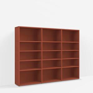 Individualisierbares Bücherregal aus Spanplatte in Rot. Moderne Designer-Möbel nach Maß.