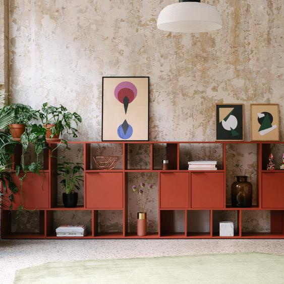 Individualisierbares Sideboard aus Multiplexplatte in Rot. Moderne Designer-Möbel nach Maß - Spanplat