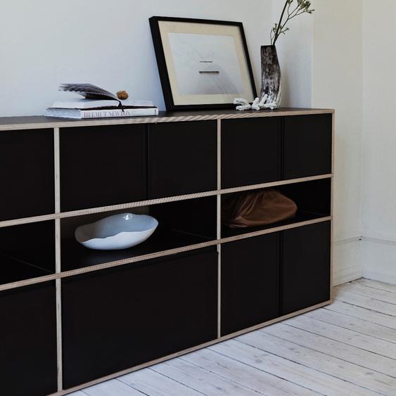 Individualisierbares Sideboard aus Multiplexplatte in Schwarz. Moderne Designer-Möbel nach Maß.