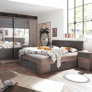 Schlafzimmer in Haveleiche NB mit Abs. in Beton Dekor, bestehend aus Kleiderschrank B: ca. 312 und Bettanlage inkl. 2 Nachtkonsolen B: ca. 275,5 cm