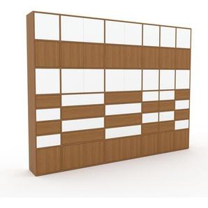 Schrankwand Eiche - Moderne Wohnwand: Schubladen in Eiche & Türen in Weiß - Hochwertige Materialien - 306 x 233 x 35 cm, Konfigurator