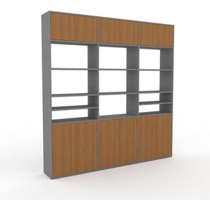 Schrankwand Grau - Moderne Wohnwand: Türen in Eiche - Hochwertige Materialien - 226 x 233 x 35 cm, Konfigurator