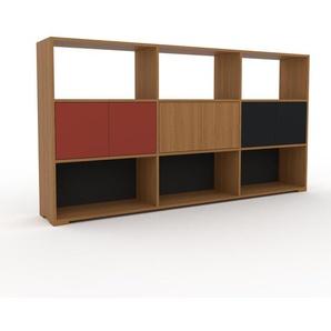 Sideboard Eiche - Designer-Sideboard: Türen in Rot - Hochwertige Materialien - 226 x 120 x 35 cm, Individuell konfigurierbar