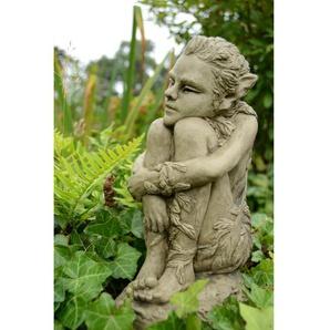 Statue Kacey