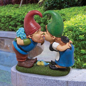 Statue Kiss and Tell Lover Gnomes