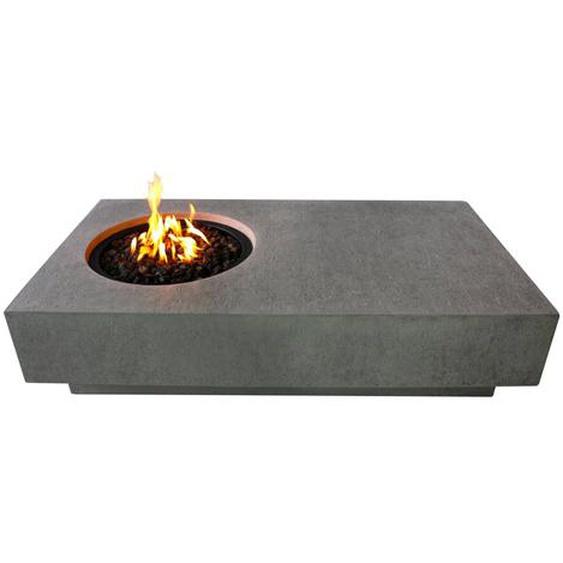 Tisch mit Feuerstelle