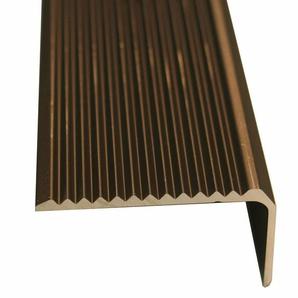 Treppenwinkelprofil gelocht 25 mm x 20 mm Bronze 2500 mm