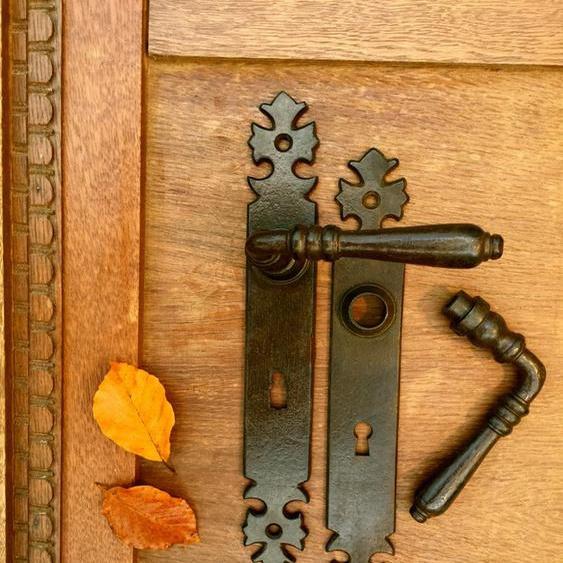 Türbeschläge Eisen gewachst- Innentür-Türdrücker wie antike Garnitur, Eisen BB72