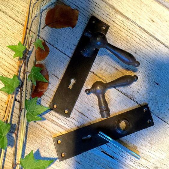 Türbeschläge Eisen gewachst, Zimmertür-Beschläge, wie antike Drücker-Garnitur