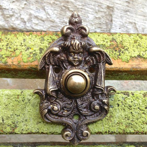 Türklingel mit Engel, wie historische Klingel, Haustür-Klingel in Antik-Messing