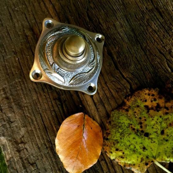 Türklingel mit Jugendstil-Motiv - Klingel zu historischer Tür Messing Türschelle