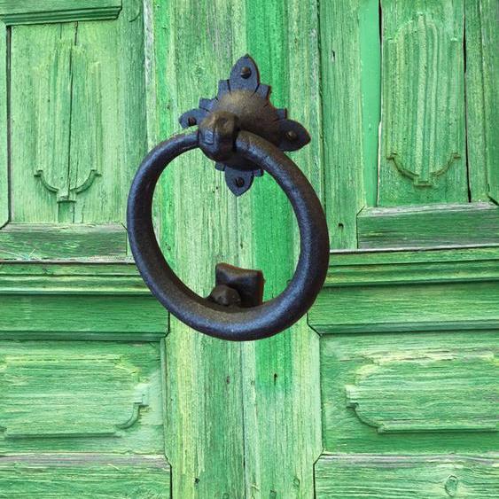 Türklopfer aus Eisen - wie am Tor der Ritterburg, rustikal geschmiedeter Klopfer