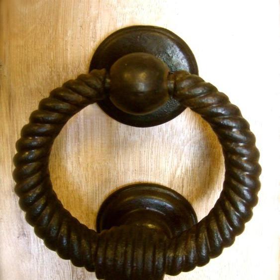 Türklopfer MyCastel, wie antik geschmiedet, mit gedrehtem Eisenring, Gartentor
