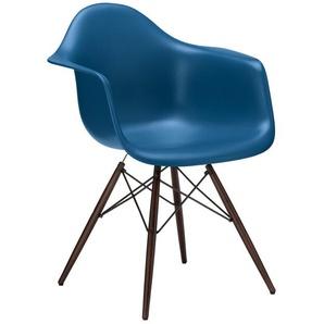 Vitra Stuhl Eames Plastic Armchair DAW blau, Gestell: Ahorn nussbaumfarbig, Designer Charles & Ray Eames