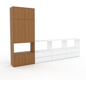 Wohnwand Weiß - Individuelle Designer-Regalwand: Schubladen in Weiß & Türen in Eiche - Hochwertige Materialien - 301 x 195 x 35 cm, Konfigurator