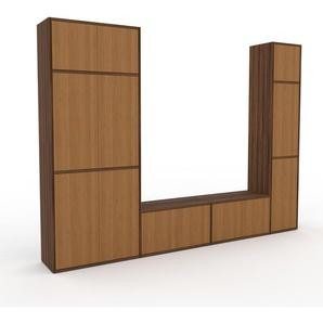 Wohnwand Nussbaum - Individuelle Designer-Regalwand: Türen in Eiche - Hochwertige Materialien - 265 x 195 x 35 cm, Konfigurator