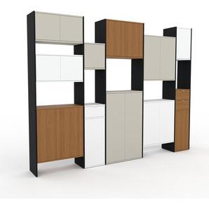 Wohnwand Sandgrau - Individuelle Designer-Regalwand: Schubladen in Eiche & Türen in Sandgrau - Hochwertige Materialien - 303 x 233 x 35 cm, Konfigurator