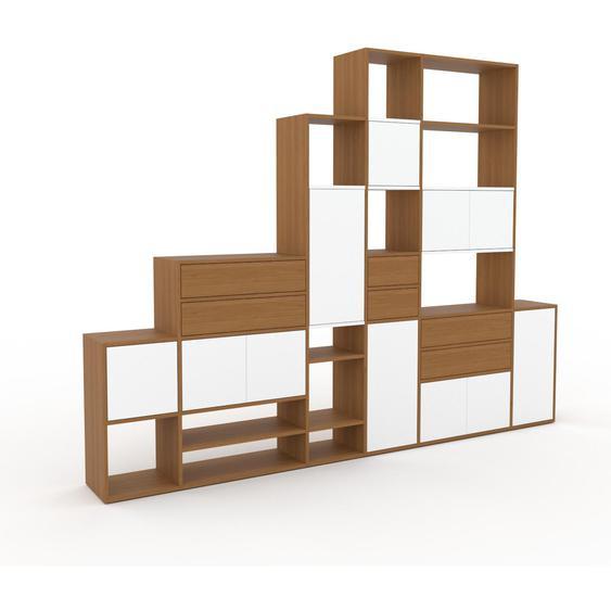 Wohnwand Weiß - Individuelle Designer-Regalwand: Schubladen in Eiche & Türen in Weiß - Hochwertige Materialien - 306 x 233 x 35 cm, Konfigurator