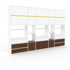 Wohnwand Weiß - Individuelle Designer-Regalwand: Schubladen in Nussbaum & Türen in Weiß - Hochwertige Materialien - 303 x 195 x 35 cm, Konfigurator