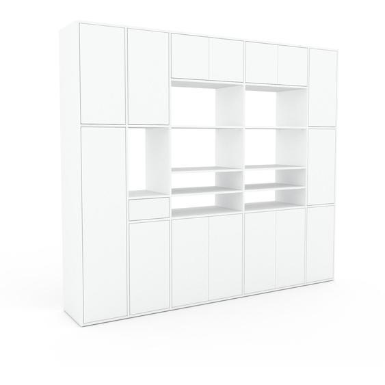 Wohnwand Weiß - Individuelle Designer-Regalwand: Schubladen in Weiß & Türen in Weiß - Hochwertige Materialien - 267 x 234 x 47 cm, Konfigurator