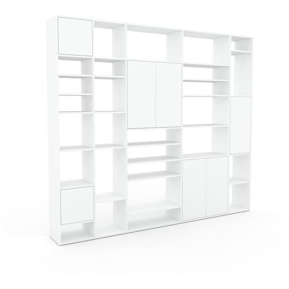 Wohnwand Weiß - Individuelle Designer-Regalwand: Türen in Weiß - Hochwertige Materialien - 267 x 233 x 35 cm, Konfigurator